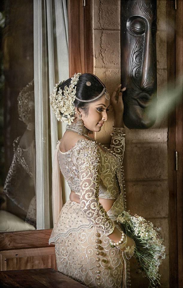 Sri Lankan wedding dress.....