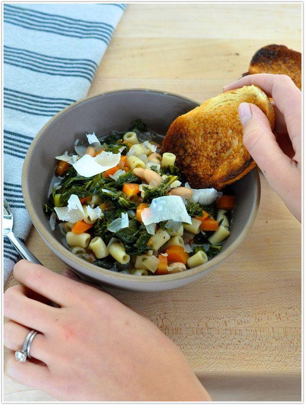 Next Soup-er Sunday contender.: White Beans, Crock Pot, Kale And White Bean Soup, Bean Soup Crockpot, Crockpot Tuscan Bean Soup, Add Pasta, Bean Kale, Pasta Beans, Kale Soup Recipes Crockpot