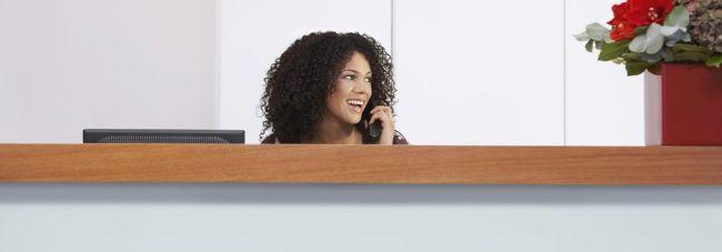 Empresa abre vagas para Assistente de Atendimento e Recepcionista