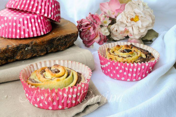 Rose di frolla, nutella, ricetta dolce facile, dolcetti di pasta frolla, ricetta merenda, dolce dopo cena, colazione, feste di compleanno, buffet, congelabile