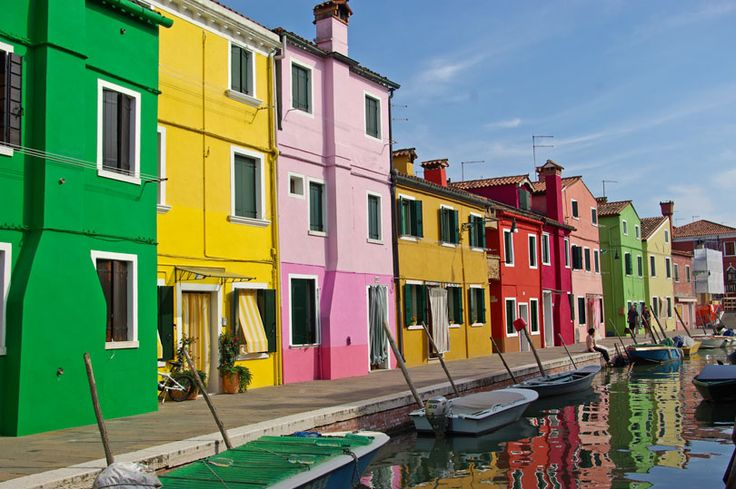 The vibrant island of Burano - Weekly photo challenge