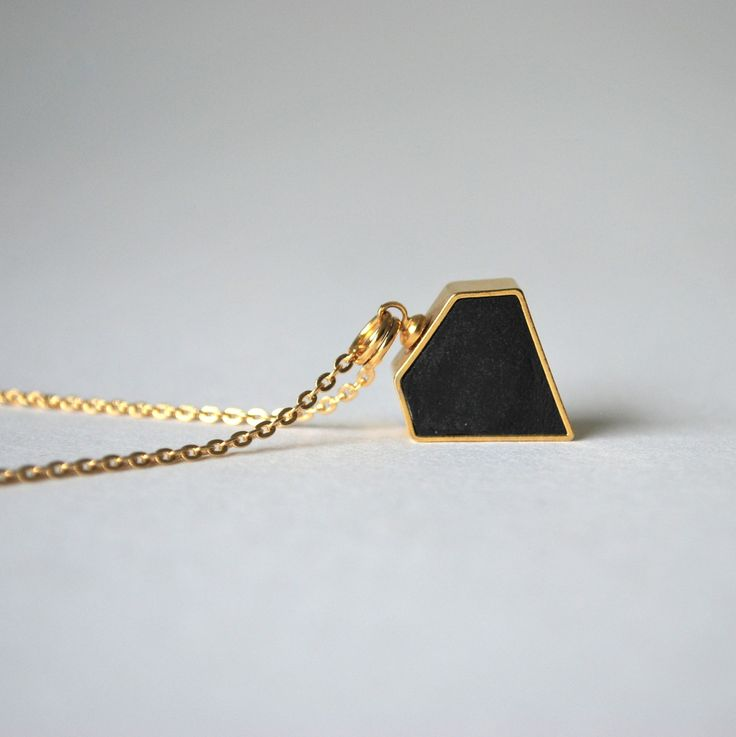 Halsband Diamant svart/guld med kedja