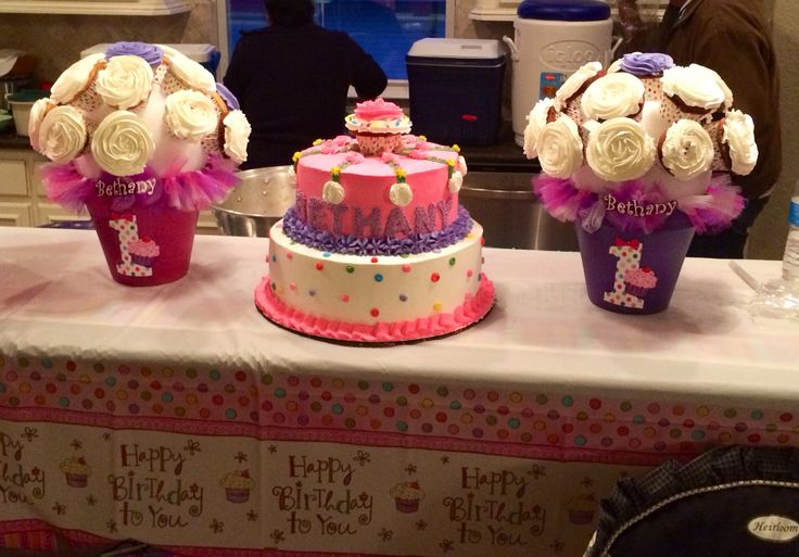 Cake Design For Sister Birthday : Cupcake themed 1st birthday cake by my sister Marta. I ...