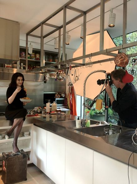 Nigella at photo shoot for her new Italian cookbook: Nigellisima