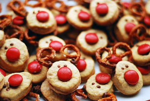 Christmas-themed food. #reindeer #snack #appetizer