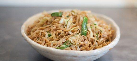 Stegte nudler med grøntsager og soja | 豉油皇炒麵 | see yau wong chao min