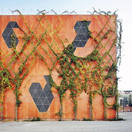 Electrical substation / Rahola Vidal  Barcelona 2007. via Luella Loves #geometry #exteriors