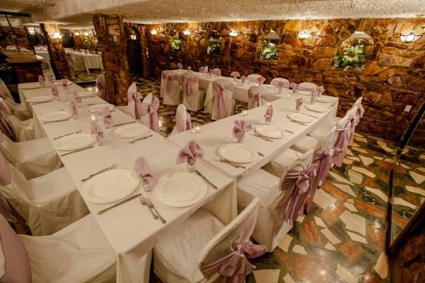 Our Restaurant Grotto Can Accommodate A Maximum Of 35 Guests And Is Typically Used For Intimate Catering Halls Indoor Wedding Receptions Smallest Wedding Venue