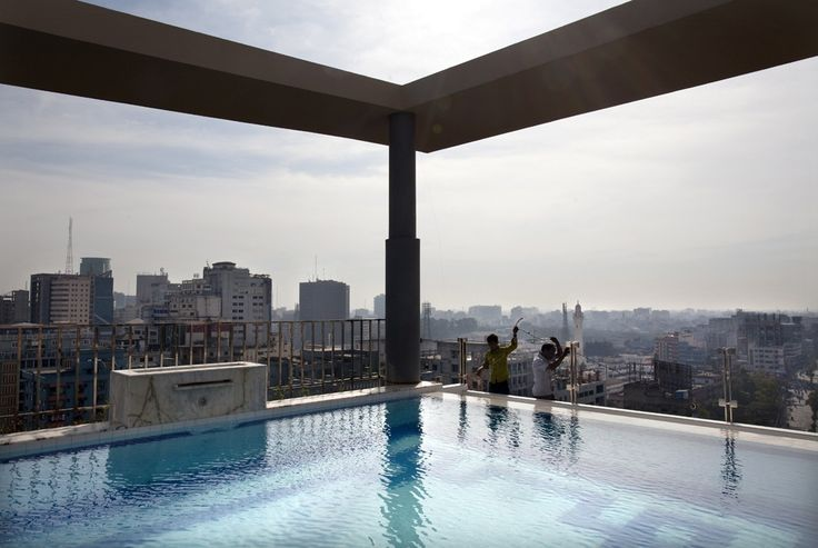Rooftop swimming pool at a hotel in Dhaka, Bangladesh | www.piclectica.com
