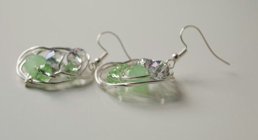 Handmade wire earring Teresa W.Gallian
