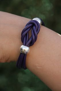 xanacollection: Pulsera morada