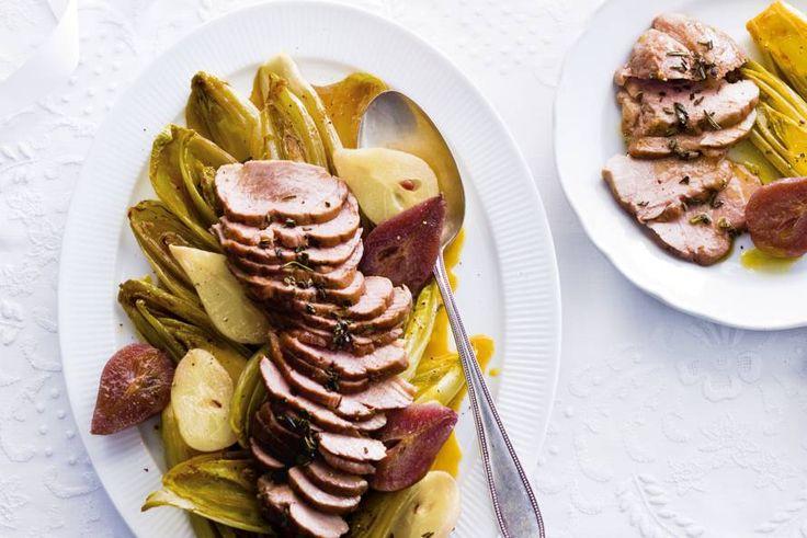 Bijzonder gerecht voor een bijzondere gelegenheid, met uitgesproken smaken - Recept - Wildzwijngebraad met witlof en peertjes - Allerhande