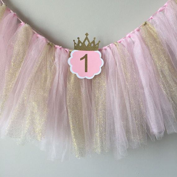 Pink and Gold Tulle with ONE High Chair Birthday Banner                                                                                                                                                                                 Más