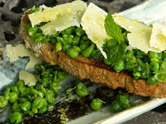 Crushed peas, mint and Pecorino Bruschetta