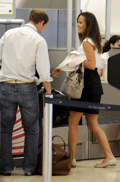 Pippa Middleton and George Percy Photos - Pippa Middleton at the Madrid-Barajas Airport - Zimbio