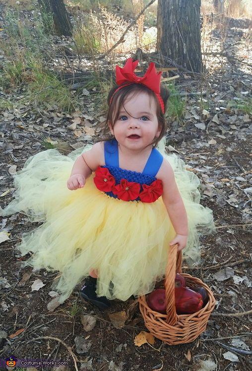 Snow White Longstocking Shoe
