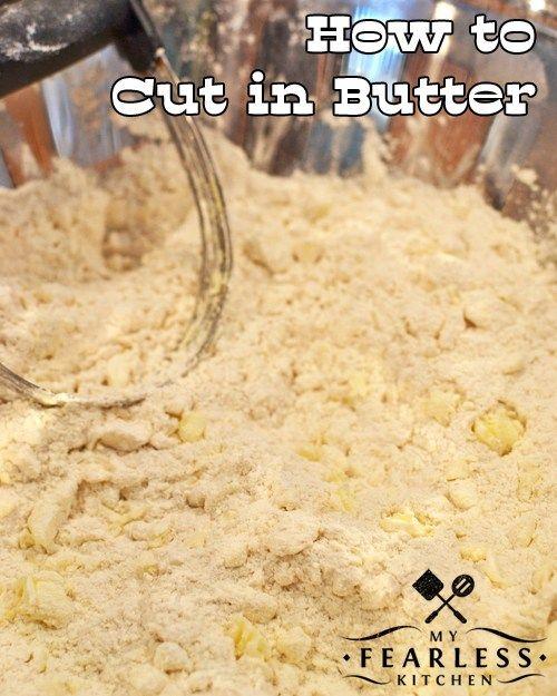 """Ako ušetriť na masle z môjho Fearless Kitchen.  Už ste niekedy videli pokyny """"cut na masle"""" v recepte?  Viete, ako na to?  Pozrite sa na tieto jednoduché tipy, a budete robiť vločkovitých sušienky v žiadnom okamihu!"""