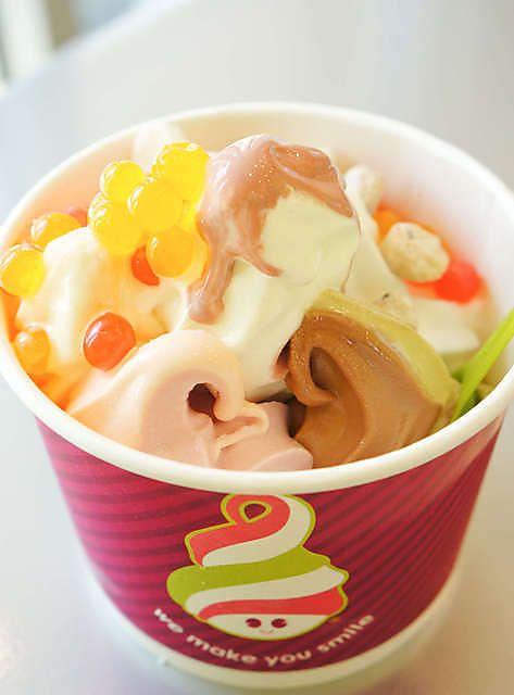 Frozen Yogurt at Menchie's Frozen Yogurt (Vancouver, BC). #frozenyogurt #froyo