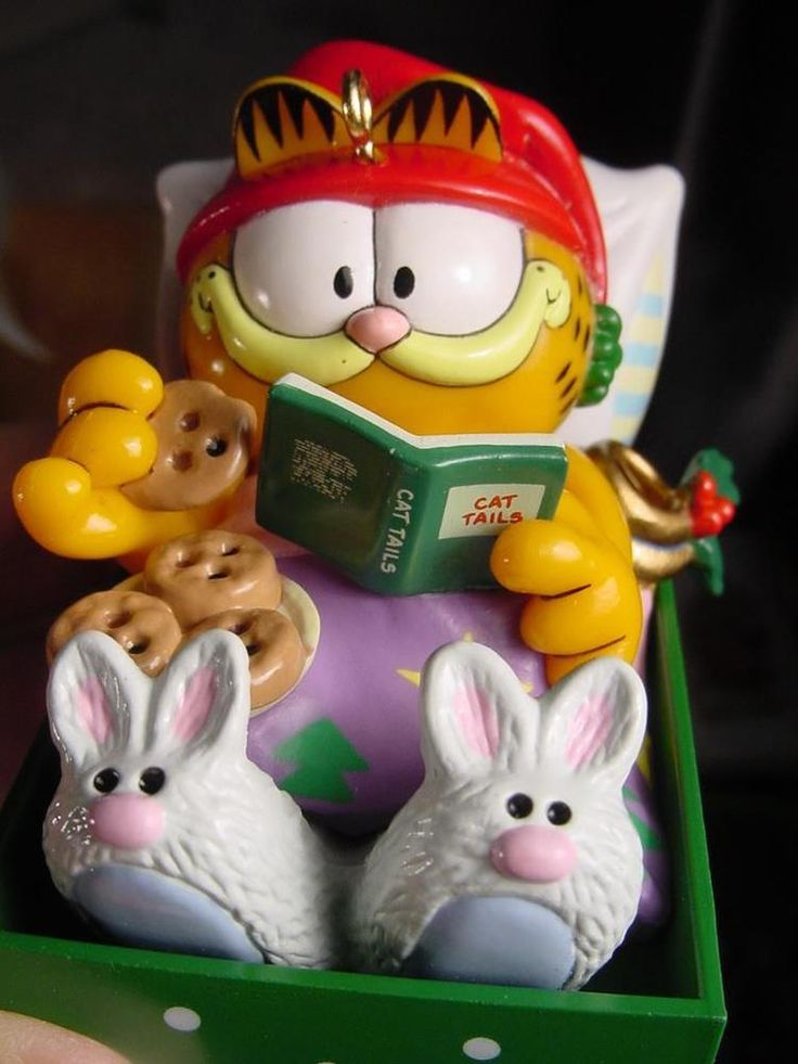 ENESCO Garfield IN Bunny slippers Cat Napping CHRISTMAS ORNAMENT Holiday Cookies