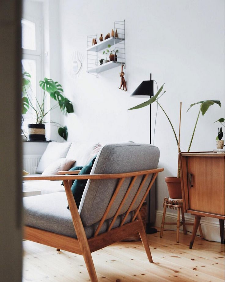my scandinavian home: A Relaxed Cologne Home with Mid-Century Vibes. Photo: Antonia Schmidt.