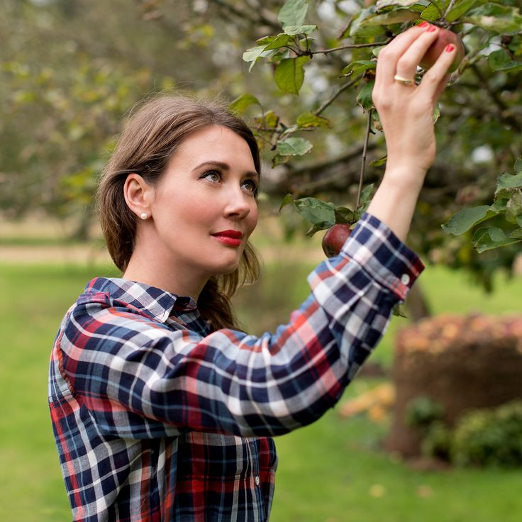 25 best ideas about apple picking outfit on pinterest preppy fall outfits southern prep. Black Bedroom Furniture Sets. Home Design Ideas