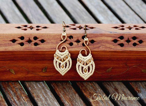 Pendientes de macramé en bronce y hueso. Bisutería Tribal inspirada en Africa. Etnico hippie boho elfico fantasía micromacrame