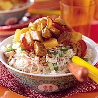 Recept - Gebakken rijst met zoetzuur varkensvlees - Allerhande