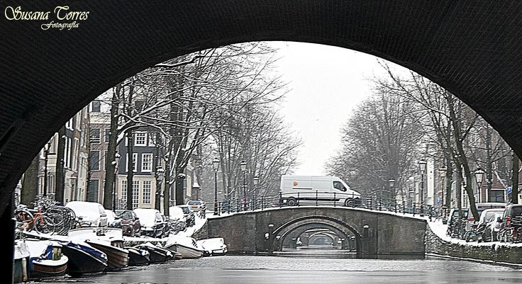 Los siete puentes se ven desde cruce de canales.