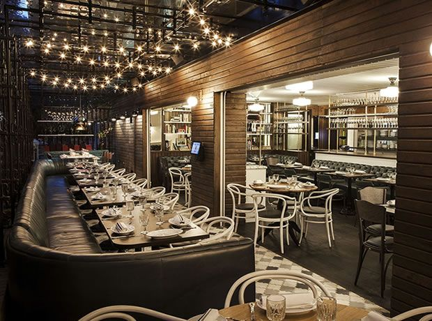 Black Bear Restaurante in Bogota, Colombia. Incredible food in an elegant setting. Detalle del ambiente de Black Bear