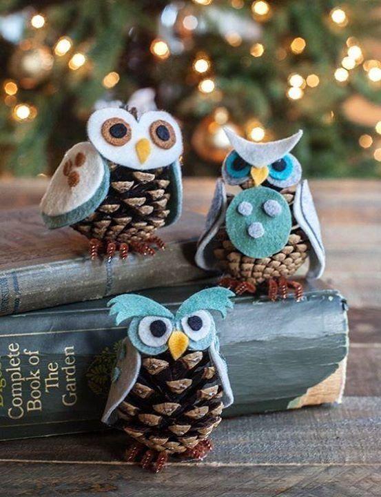 Felt pinecone owls.  Cute craft Idea.