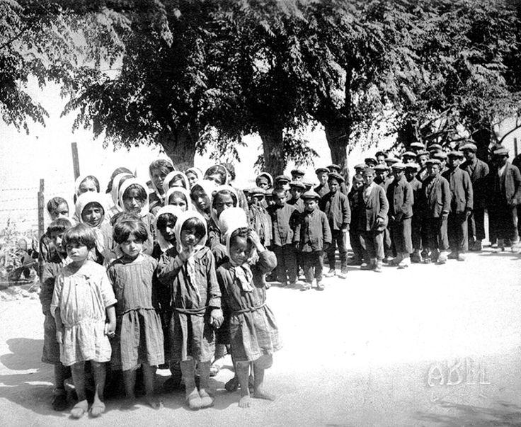 Orphans from Kayseri arriving in Beirut's Kelegian-Sisvan orphanage in 1929 © AGBU