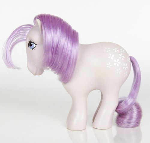 Blossom. Collectors pony. Year 1. 1982-83. Year one Blossom has flat hooves.