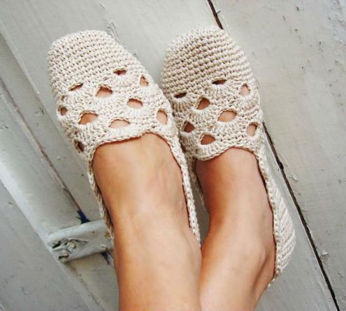 Crochet pattern espadrilles, slippers (photo and pattern by Sophie and me   Happy in Red