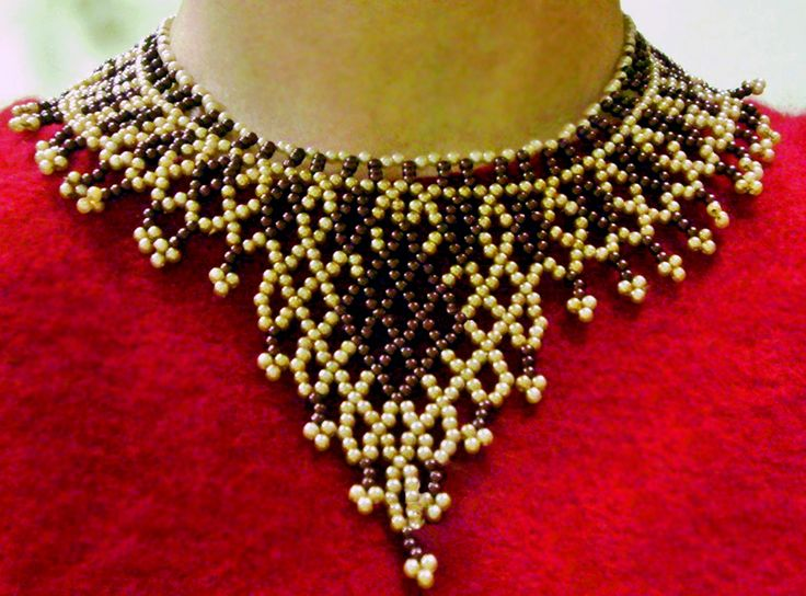 Free pattern for necklace Brulee