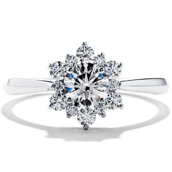 flower, snowflake ... amazingly lovely, I'm not much of a diamond person, but this is gorgeous!