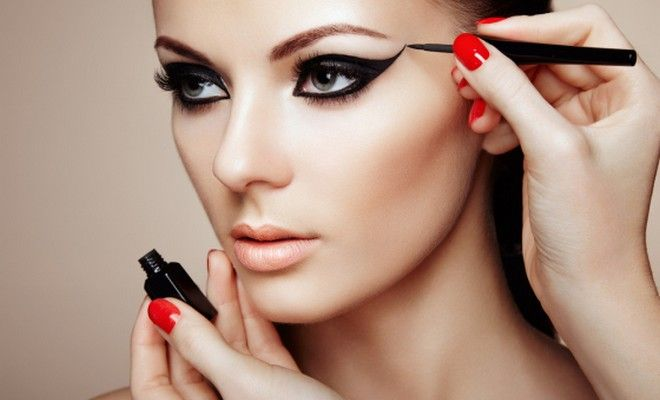 """""""Cat Eyes"""": The Sexiest Make Up Trend for Summer 2015 - http://blog.ilikebeauty.gr/summer-2015-make-up-trends-cat-eyes/"""