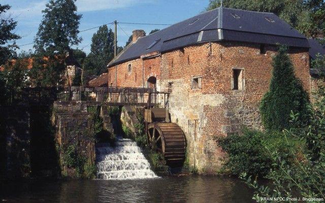 Le moulin de la Vallée Aunelle, Rombies et Marchipont. Watermill Nord-Pas-de-Calais (59).