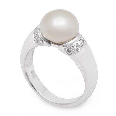 Μονόπετρο δαχτυλίδι λευκόχρυσο Κ14 με λευκό μαργαριτάρι σε πλατύ δέσιμο με ζιργκόν στα δύο άκρα   Κοσμήματα με μαργαριτάρια ΤΣΑΛΔΑΡΗΣ στο Χαλάνδρι #μαργαριταρι #ζιργκον #λευκοχρυσο #δαχτυλίδι