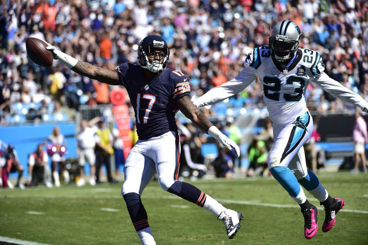 Top NFL Action Shots - Week 5 - Oct 5, 2014; Charlotte, NC, USA; Chicago Bears wide receiver Alshon Jeffery (17) scores a touchdown as Carolina Panthers cornerback Melvin White (23) defends in the second quarter at Bank of America Stadium. (Bob Donnan-USA TODAY Sports)