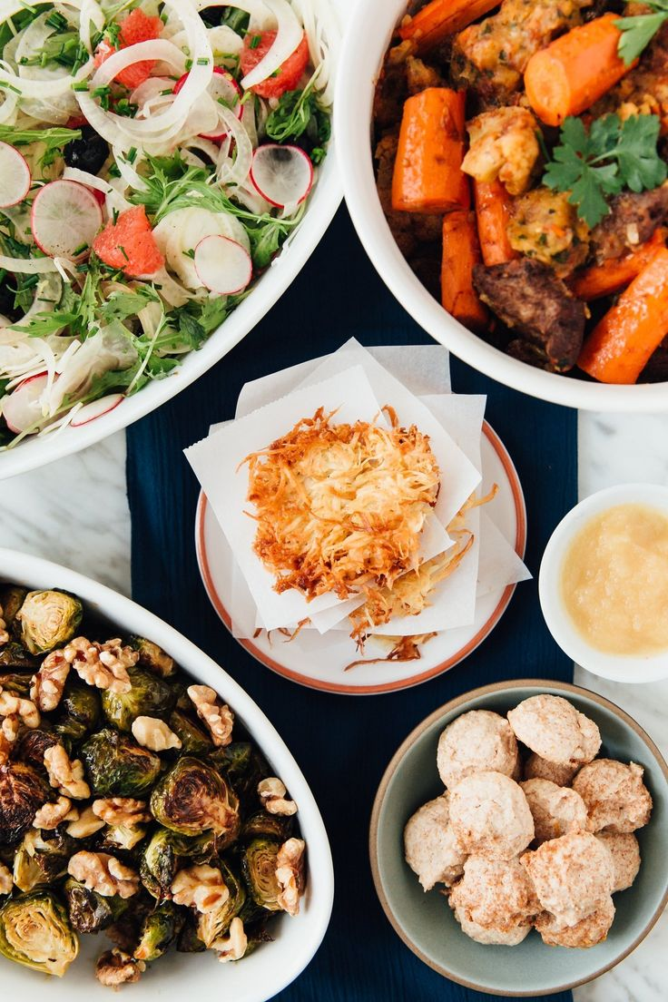 A Seasonal Hanukkah Menu from Amelia Saltsman — Holiday Menus from The Kitchn Feliz Hanukkah, Hannukah, Hanukkah Meals, Hanukkah Recipes, Hanukkah 2019, Hanukkah Celebration, Passover Desserts, Passover Recipes, Jewish Recipes
