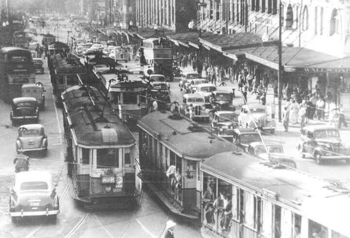 Oxford St in Sydney looking towards Hyde Park in 1948. CityofSydneyArchives.