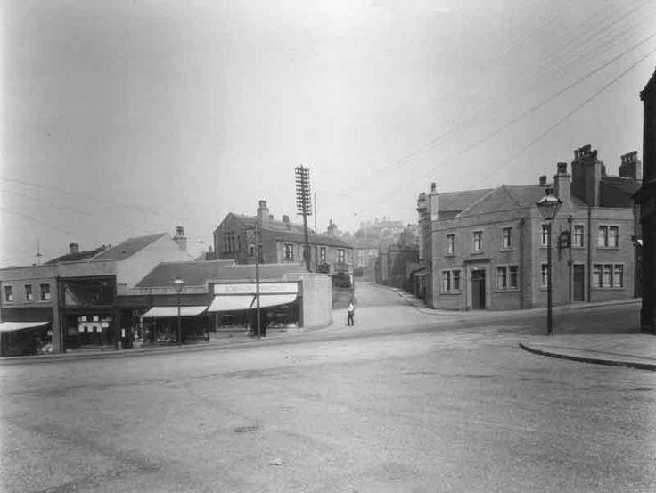 Wakefield Road, Moldgreen, Huddersfield (03)