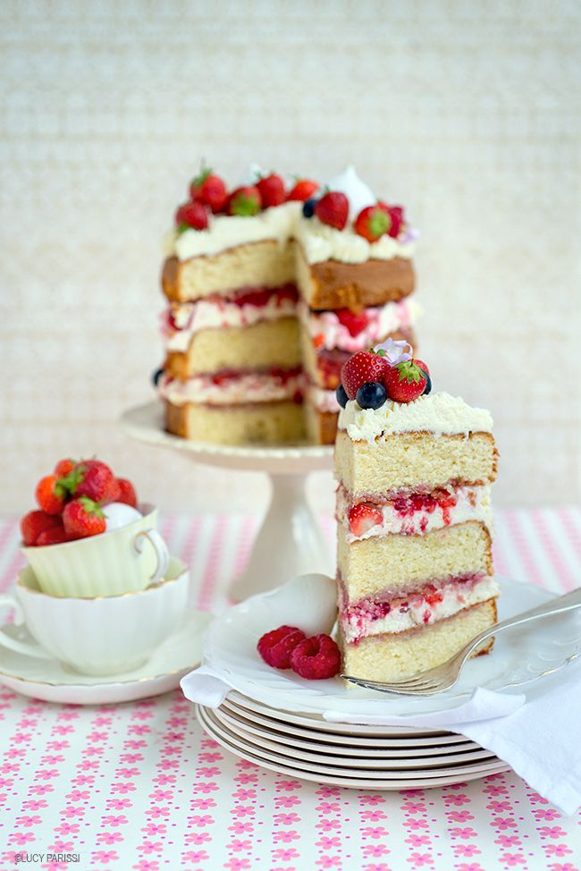 Impress with this delicious simple & totally summery Eton mess cake | Supergolden Bakes