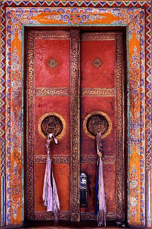 Alchi, porte du monastère