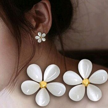 Free Shipping White shiny Five Leaves Flowers White Cherry Blossoms Stud Earrings For women HOT SALE $104,76