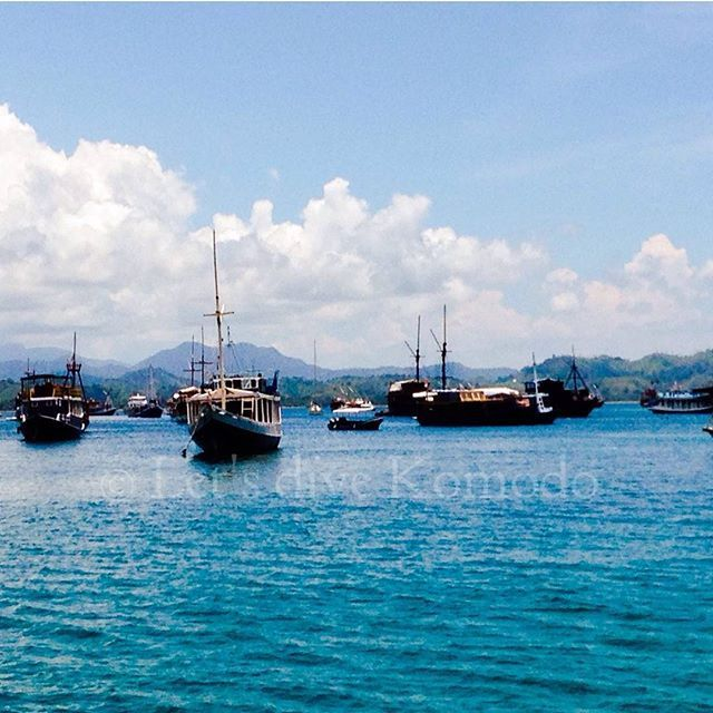 Happy Sunday from Labuan Bajo! Who's diving today? #komodo #labuanbajo #port #harbour #boat #happy #sunday #funday  #office #scuba #livetoscuba #scubadiving #divecenter #view #clouds #sky #ocean #beautiful #colors #lovemyjob #oceanlove #photography #photooftheday #travel #holiday #backpacking #wanderlust #explore #exploremore