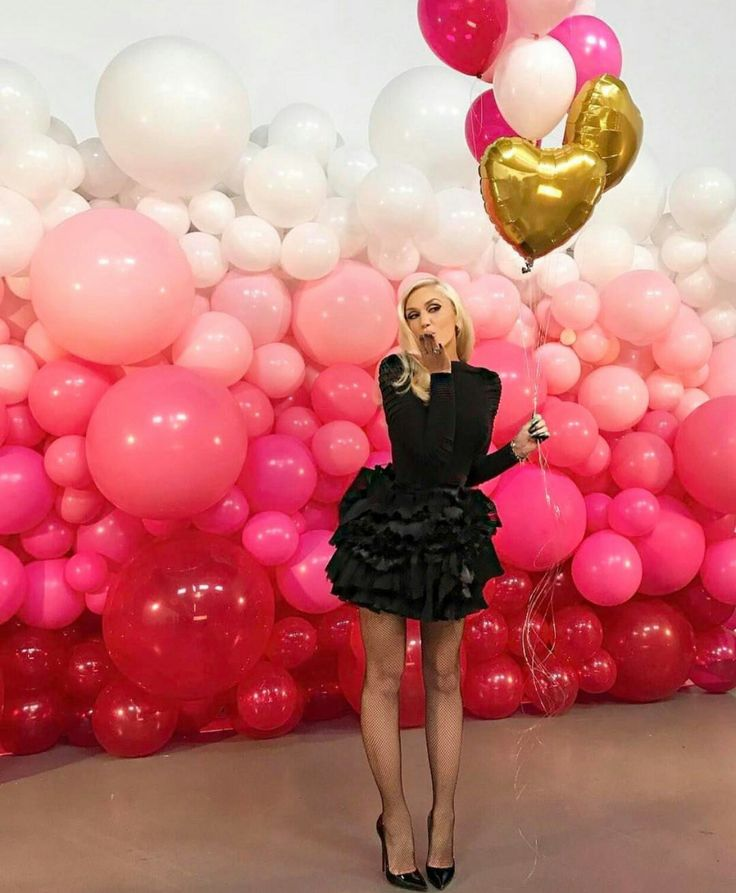 The 25 best balloon wall ideas on pinterest baloon for Balloon decoration on wall for birthday