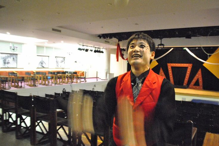 ヒロシ バーG.O  クラブメッド 北海道 2014/15 Winter もと数学の先生 ジャグリングが得意です!