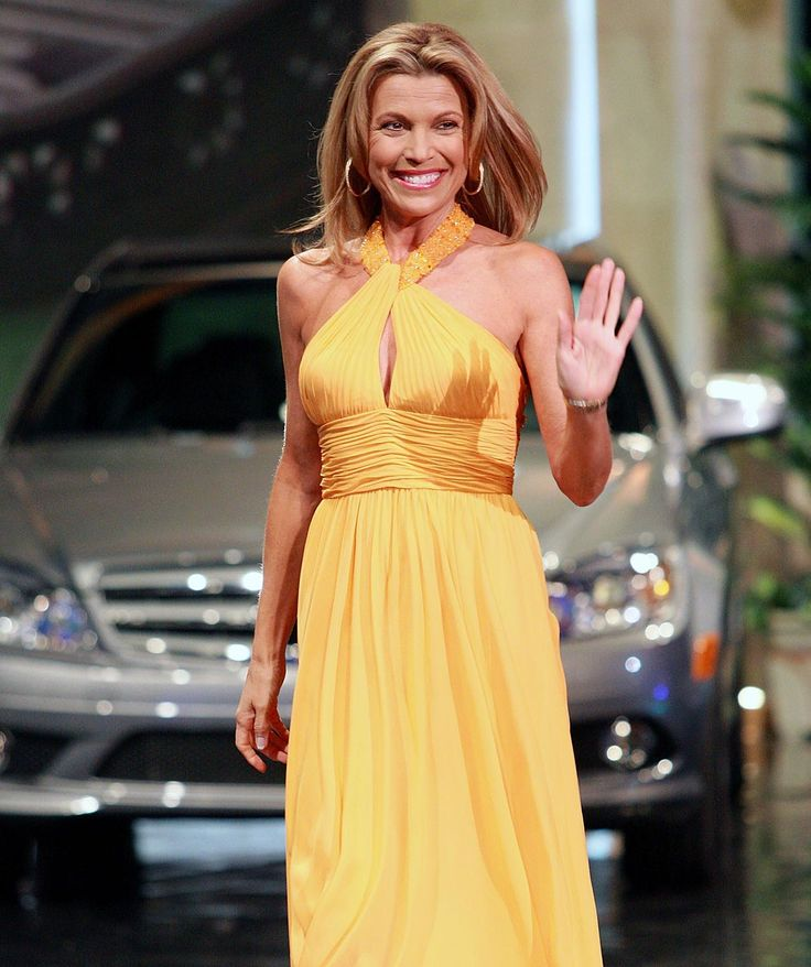 vanna white | Has Vanna White Ever Tripped on Her Gown?