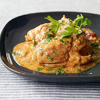 Slow Cooker Chicken Tikka Masala- Everyone's favorite Indian takeout dish, lightened up in a slow cooker.
